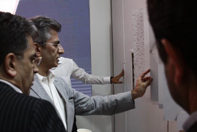 بازدید میهمانان ویژه از غرفه گیتی پسند در نمایشگاه ساختمان ۹۶