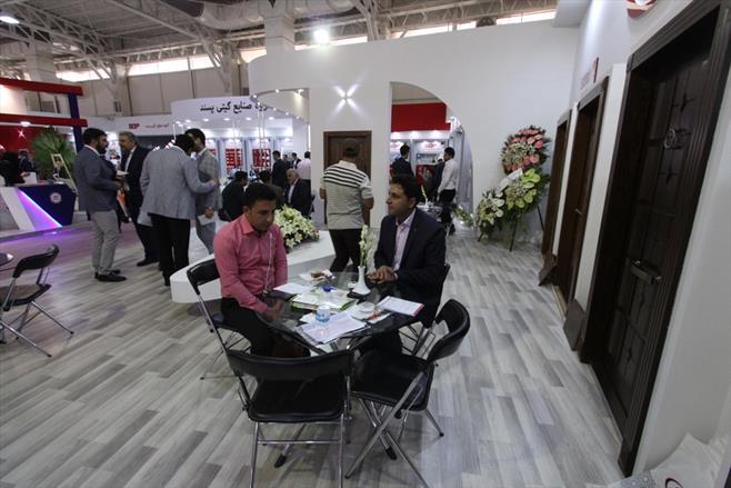 گیتی پسند در نمایشگاه ساختمان تهران ۹۷