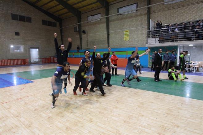 مسابقات فوتسال کارکنان گروه ۹۷
