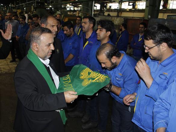 آئین پرچم گردانی میلاد امام رضا